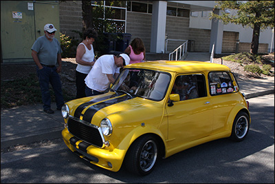 yellow mini at 1st checkpoint